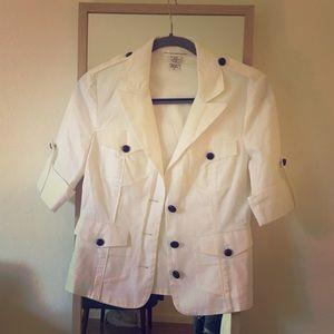 Diane Von Furstenberg. White Blazer. Size 8.